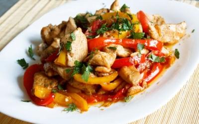 Цыпленок в овощах